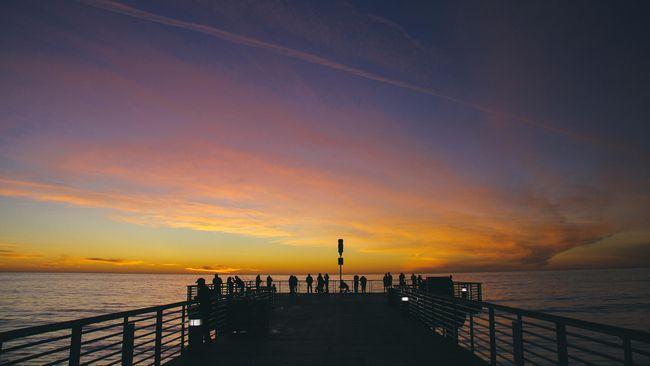 Terdapat beberapa fase cahaya yang dipengaruhi oleh ketinggian Matahari, mulai dari golden hour, blue hour, hingga senja.