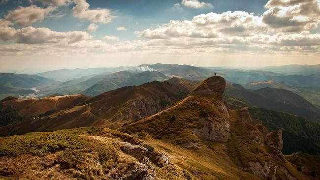 Hilang Sejak Minggu, Pendaki Gunung Guntur Belum Ditemukan