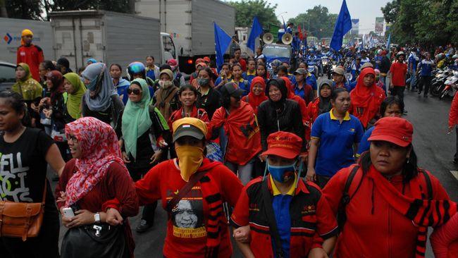 Serikat buruh merasa Ratu Tatu Chasanah tak pernah menyerap keluhan pekerja selama lima tahun menjabat Bupati Serang.