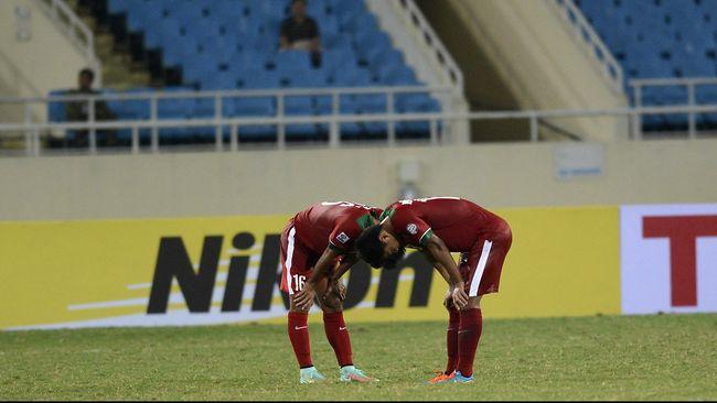 Mantan pemain timnas Indonesia era 1980an menuding bahwa tanggung jawab buruknya performa skuat Garuda dalam Piala AFF 2014 adalah pada pundak PSSI.