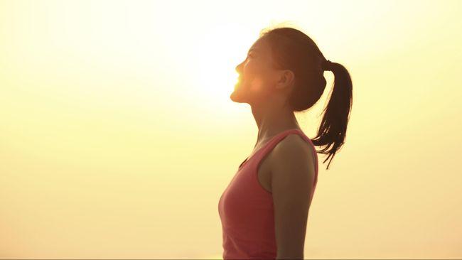 Sekadar menegakkan tubuh dan mengubah postur akan menghasilkan cukup banyak manfaat bagi kesehatan.