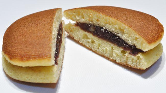 Dorayakisejatinya adalah kue kuno yang sudah ada sejak Zaman Edo. Namun, namanya baru populer di awal abad ke-20.