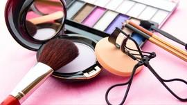 Perhatikan Komposisi Produk Kosmetik Sebelum Membeli