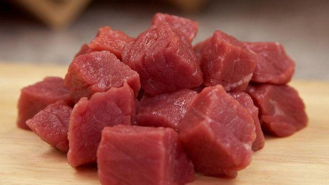 Bau prengus dan tekstur daging kambing yang sukar diolah empuk kerap membuat sebagian orang gentar. Berikut tips memasak daging kambing yang bisa Anda jajal.