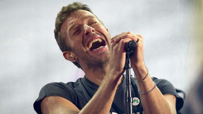 Chris Martin Coldplay Mengaku Sering Berpuasa