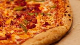 Hias Pizza Pakai Simbol Swastika, 2 Pegawai Resto AS Dipecat