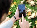 Tips Bersihkan Ponsel Agar Bebas dari Droplet Virus Corona