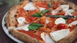 Para Ilmuwan Nyatakan Perang Terhadap Pizza