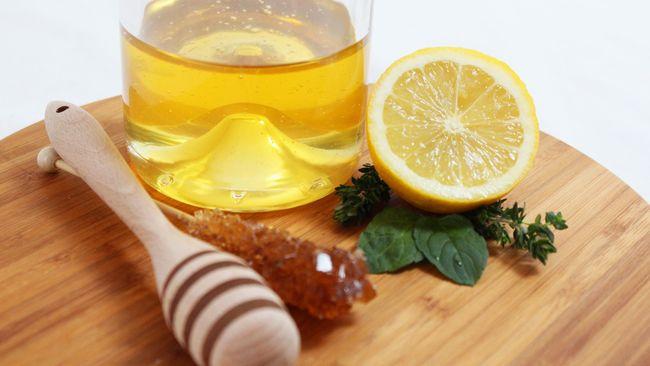 Tren makan madu beku belakangan viral di platform media sosial TikTok. Amankah untuk kesehatan?