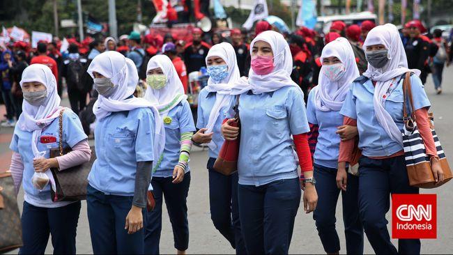 Kepala BPKM Bahlil Lahadalia mengklarifikasi pernyataan tentang perempuan diganti robot. Hal ini dianggap sebagai lelucon seksis oleh aktivis perempuan.
