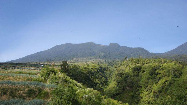 Sejumlah netizen hingga Kementerian PUPR ikut meramaikan cuitan kocak soal heboh foto Gunung Gede Pangrango terlihat dari Jakarta.