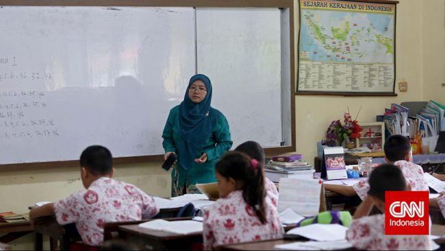 Sebanyak 8.061 guru terpilih mengikuti pelatihan dan bimbingan khusus dari Kemendikbudristek, terkait program Guru Penggerak.