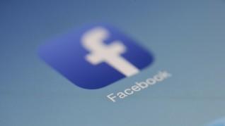 Facebook Cabut Iklan Kampanye Trump yang Pakai Simbol Nazi