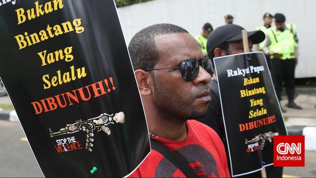 Polri mengungkapkan 11 kasus dugaan pelanggaran HAM di Papua, mulai dari penyanderaan Mapenduma hingga kasus Paniai.
