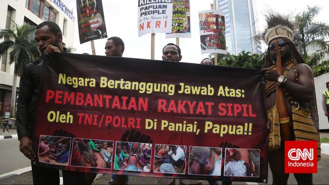 KontraS Papua menilai UU Otsus tidak menyentuh esensi persoalan di Bumi Cendrawasih dan terkesan hanya melihat soal penyaluran uang.