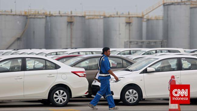 PPnBM sebesar 30 persen dari harga jual membuat mobil sedan berharga tinggi, sementara harga merupakan pertimbangan utama masyarakat dalam membeli mobil.