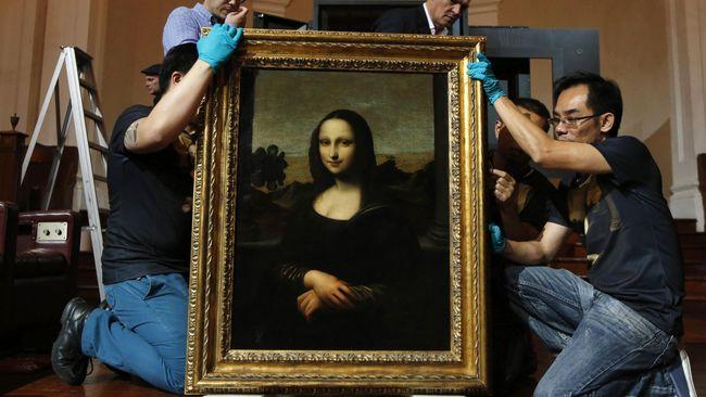 Selama ini, ilmuwan dan ahli seni menganggap itu senyum yang ambigu, antara bahagia atau sedih.