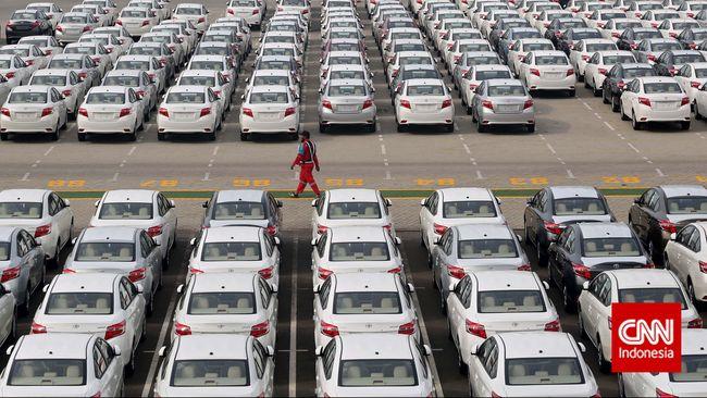 Menkeu Sri Mulyani mulai memfinalisasi pembuatan aturan gratis PPnBM bagi mobil baru. Tapi, ia belum tahu kapan aturan keluar.