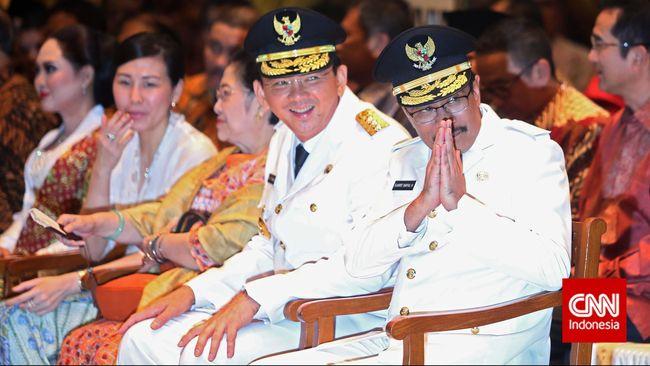 PDIP yang merupakan partai asal Wakil Gubernur Jakarta Djarot Saiful Hidayat mengatakan lelah menjaga Ahok. Djarot pun siap mendampingi Ahok menghadapi DPRD.
