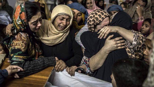 Pemerintah Pakistan memutuskan untuk melarang kelompok Haqqani yang terkait dengan Taliban sebagai upaya menunjukkan pada AS langkah serius atasi militansi.
