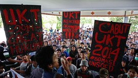 Protes Uang Kuliah UIN Bandung, #GunungDjatiMenggungat Ramai