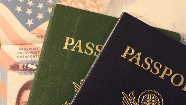Paspor 2 WNA Lukis Wajah Motif Masker Ditarik Sementara