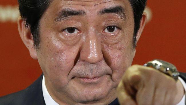 Shinzo Abe akan merombak kabinet pemerintah dan partainya, menyusul kekalahan Partai Demokratik Liberal (LDP) dalam pemilu parlementer Tokyo pada pekan lalu.