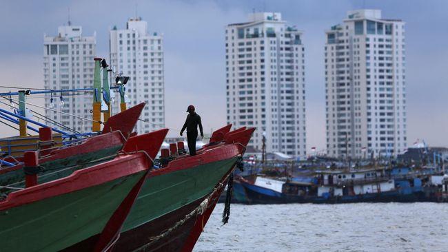 Banyak nelayan yang tidak memiliki kapal dan menggantungkan hidupnya dari kapal 30 GT milik pengusaha perkapalan.