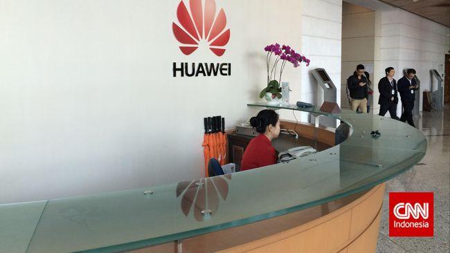 Imbas perang dagang Amerika Serikat, pengiriman ponsel Huawei justru berhasil menguasai setengah pasar di China di kuartal terkair, sementara iPhone anjlok.