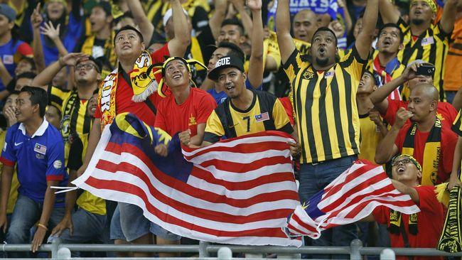 Tendangan secara sengaja bek timnas Indonesia Mursyid Effendi ke gawang sendiri di Piala AFF 1998, satu dari dari sejumlah kontrovesi tersebut.