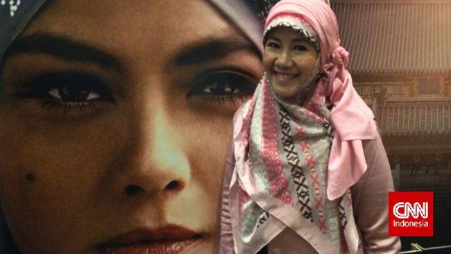 Begitu novelnya, Emak Ingin Naik Haji: Cinta Hingga Tanah Suci diadaptasi ke layar lebar dan layar kaca, Asma Nadia melirik penulisan naskah film.