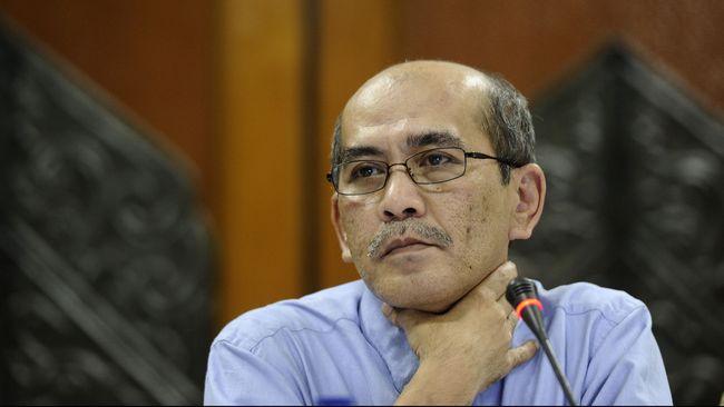 Ekonom Faisal Basri meminta pemerintah melakukan tes massal virus corona supaya ancaman resesi ekonomi yang menghantui RI bisa dicegah.
