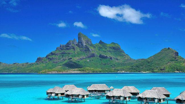 Pantai jadi salah satu tempat romantis bagi pasangan menghabiskan waktu berbulan madu. Berikut 5 wisata pantai yang paling romantis di dunia.
