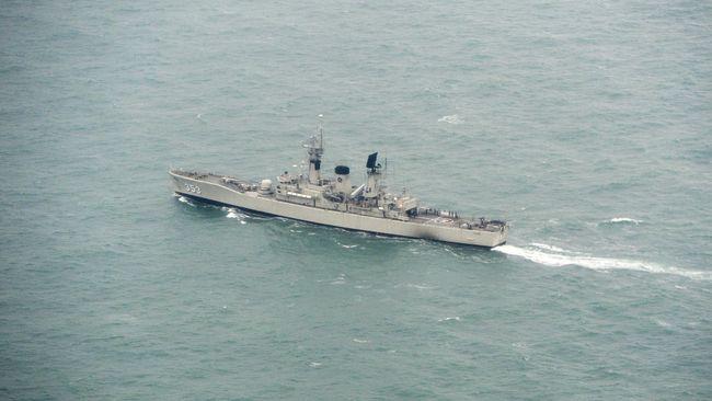 Pemerintah RI akan mengedepankan jalur diplomasi dalam menyelesaikan persoalan dengan Malaysia yang pesawatnya berkali-kali menerobos perbatasan Indonesia.