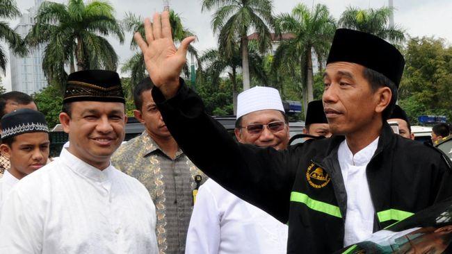 Suro Diro Jayaningrat Lebur Dening Pangastuti. Kalimat itu muncul di akun Facebook Joko Widodo, Minggu (25/1), sebelum Jokowi membentuk Tim Independen.