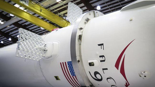 SpaceX Luncurkan X-37B, Wahana Ruang Angkasa Militer AS