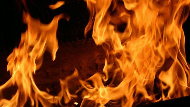 Kebakaran besar melanda sebuah pasar di Kota Ajman, Uni Emirat Arab, pada Rabu (5/8) petang.