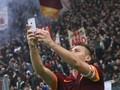 Messi Kirim Video Selamat Ultah pada Totti