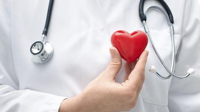 Mesin itu punya sejumlah penjepit yang menghubungkan jantung dengan selang-selang agar tetap berdetak setelah dipompa oleh darah, nutrisi, dan suplai oksigen.
