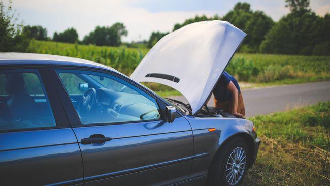 Servis Pertama Mobil 1.000 Km atau Rugi