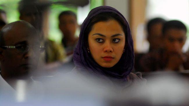 Partai Demokrat telah menginstruksikan seluruh kadernya yang sempat bersentuhan dengan Bupati Karawang Cellica Nurrachadiana, memeriksakan diri.