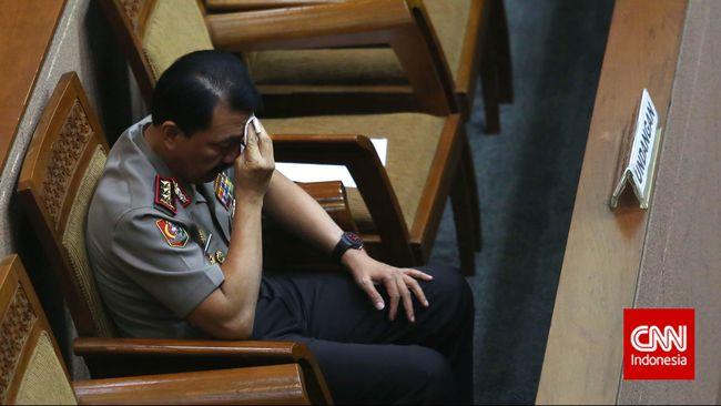 Alih-alih membangun pemerintahan bersih, Presiden Jokowi dinilai mengakomodir kepentingan partai dengan memilih Komjen Budi Gunawan sebagai calon Kapolri.