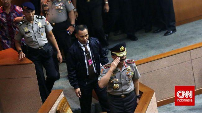 Nama calon Kapolri Budi Gunawan mendadak jadi topik yang banyak diperbincangkan di dunia maya, terutama Twitter.