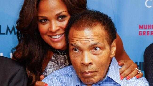 Petinju legenda Amerika Serikat, Muhammad Ali, meninggal dunia di usia 74 tahun. Selama 32 tahun, Ali berjuang melawan Parkinson.