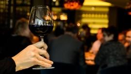 Daftar Minuman Alkohol yang Aman Buat Kecantikan Kulit