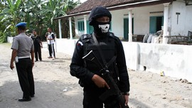 Densus Tangkap Terduga Teroris Thamrin di Temanggung
