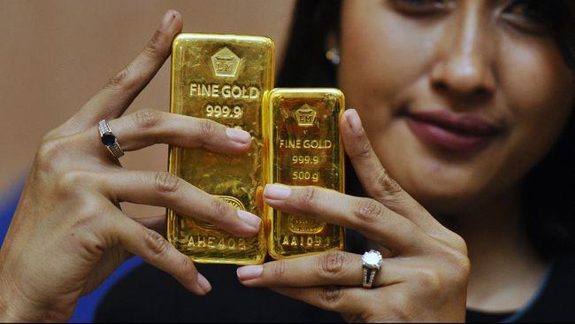 Harga emas Antam naik Rp5.000 ribu per gram menjadi Rp924 ribu pada perdagangan Kamis (26/3) pagi.