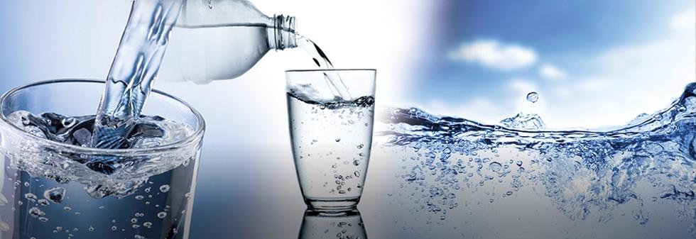 Menakar Untung Rugi Minum Air Putih