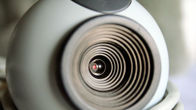 Pengguna bisa merubah ponsel menjadi webcam untuk memudahan bekerja dari rumah atau WFH demi memutus penularan virus corona.