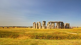 Usai Fenomena Matahari Muncul Bongkahan Baru Dekat Stonehenge